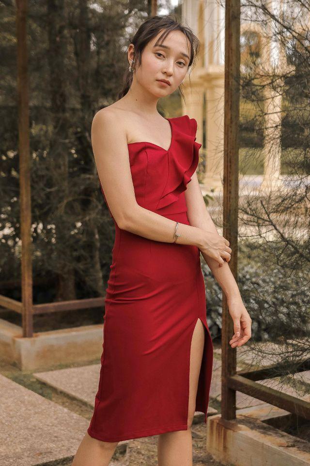 CASSIE RUFFLE TOGA DRESS (RED) (SIZE L)